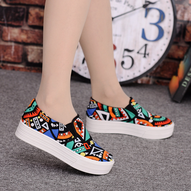 Canvas Shoes Women Girl 2016 New Footwear Female Slip On Platform Casual Shoes Flatform Autumn Graffiti Round Toe Loafers Flats (16)