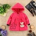 2017 детей clothing девочка с капюшоном пальто детей девочек верхней одежду носить на пальто с кролик & улыбка лица печати куртка
