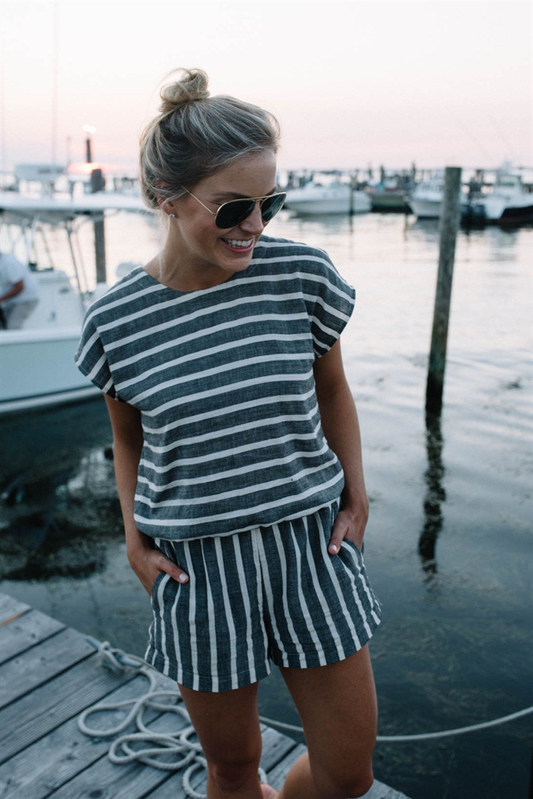 2019 Women 39 s Summer Striped Casual Jumpsuit Shorts Loose Short Sleeve O neck Playsuits Female Rompers Overalls in Rompers from Women 39 s Clothing