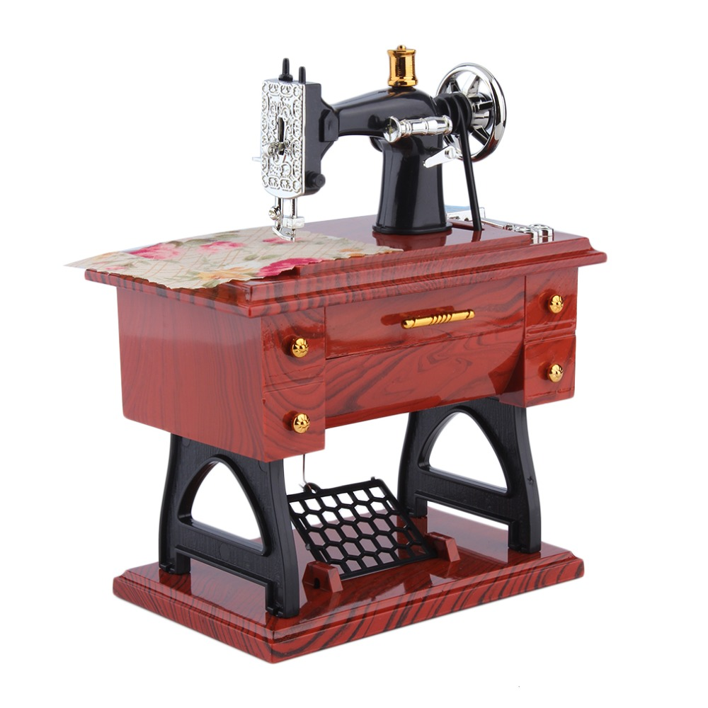 1Pc Mini Vintage Lockwork Naaimachine Muziekdoos Kid Speelgoed Treadle Sartorius Speelgoed Retro Verjaardagscadeau Woondecoratie Wereldwijd Winkel