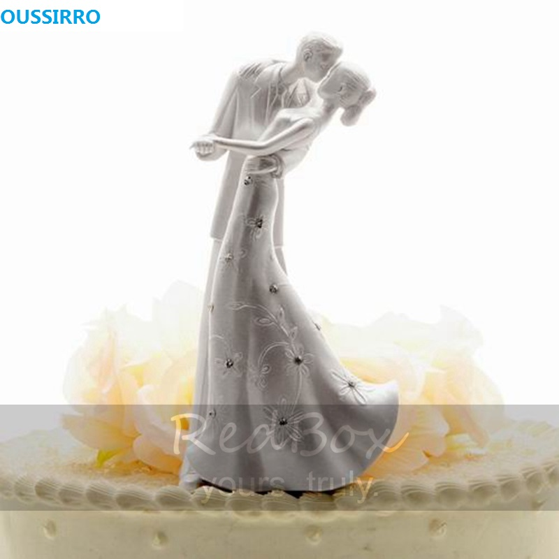 OUSSIRRO Resin The Cake Top Wedding Decoration With Double Theme Language of Love The Kiss Cake Topper