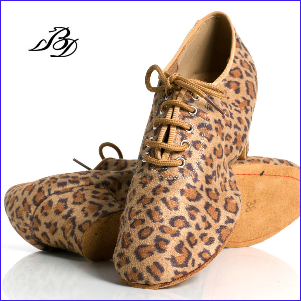 Latin Dance Shoes Women Genuine BD t1-b Import Satin Lace-up Sports Teacher Shoes Leopar Heel 4.5cm Male Female Generic BDDANCELatin Dance Shoes Women Genuine BD t1-b Import Satin Lace-up Sports Teacher Shoes Leopar Heel 4.5cm Male Female Generic BDDANCE