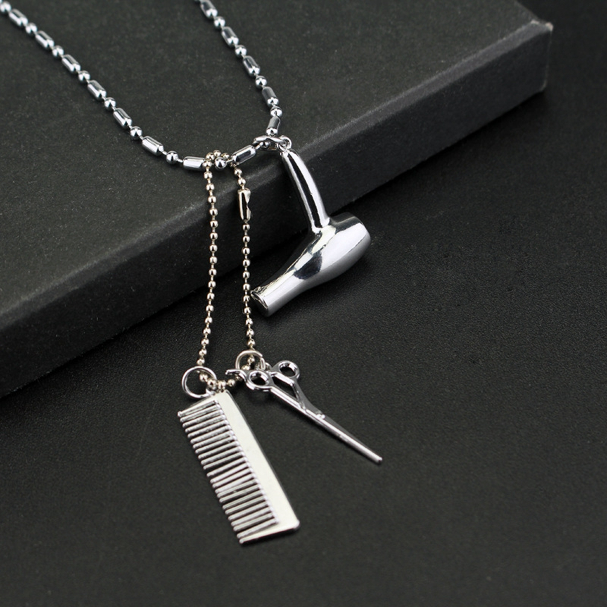 """18/"""" or 24 Inch Chain Necklace /& Comb Hair Brush Pendant Hairdresser Barber Charm"""