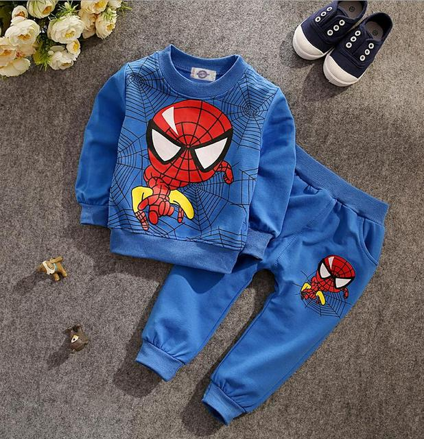 Новый 2017 мальчиков мультфильм бэтмен одежда мальчик одежда мальчики человек-паук одежда набор детей футболка + брюки, для 2 Т-5 Т