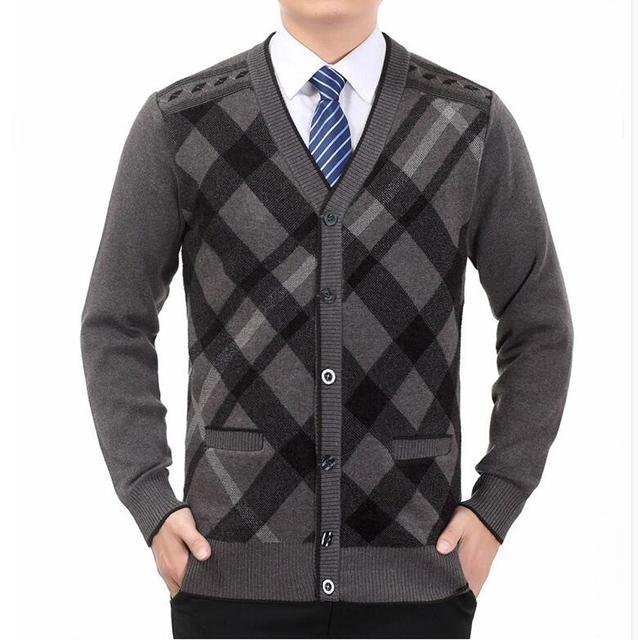 5cefca694a07 Свитер мужской 100% из чистого кашемира, вязаный зимний теплый пуловер v  образный вырез с длинными рукавами стандартные свитера джемп