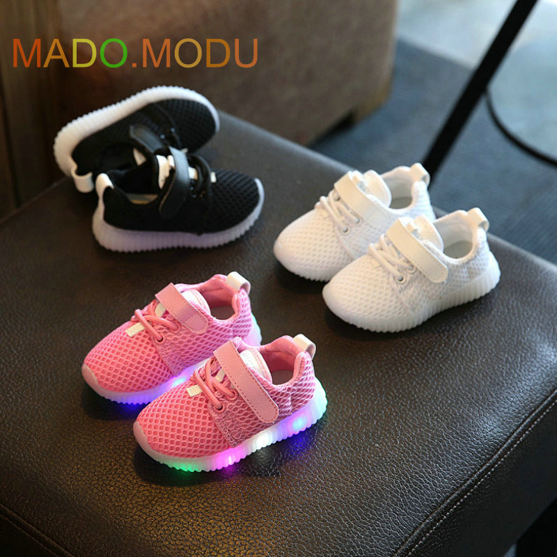Children-Shoes-With-Light-Chaussure-Led-Enfant-2017-Spring-New-Kids-Sports-Shoes-Breathable-Boys-LED-Sneakers-for-girls-3
