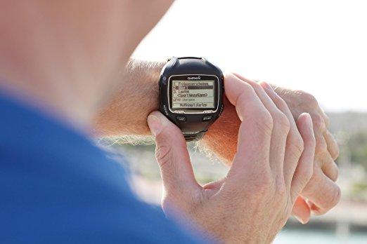 Garmin Forerunner 910XT GPS-Enabled Sport Watch différence entre garmin forerunner 10 et 15