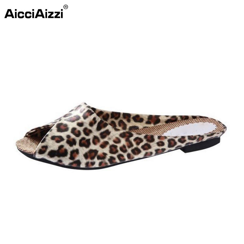 New Fashion The Flip Flops Women Soft Leather Shoes Leopard Print Peep Toe Sandals Women's Slippers Women Flats Plus Size 35-40 women in the summer of 2018 the new patent leather nude wedges pointed toe pump work shoes leisure women plus size 35 40 a23