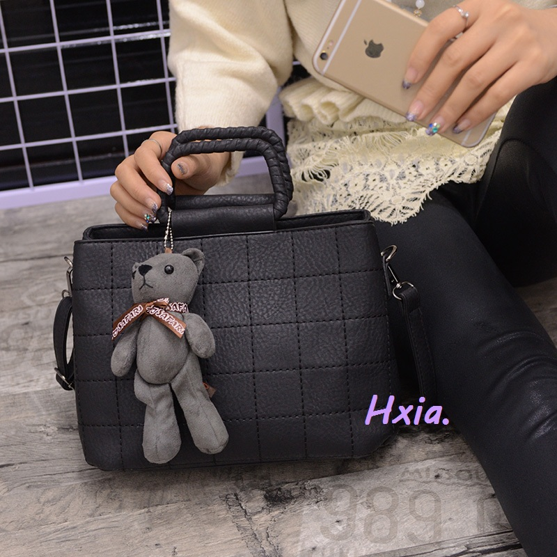 Free shipping, 2018 new handbags, lozenge woman messenger bag, stylish OL handbag, Bear Strap shoulder bag, Korean shell bag.