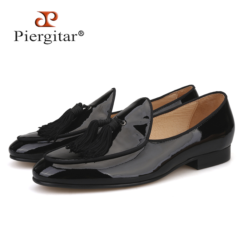 Piergitar 2018 New arrivals men leather smoking slippers with black big tassel party and wedding men loafers men