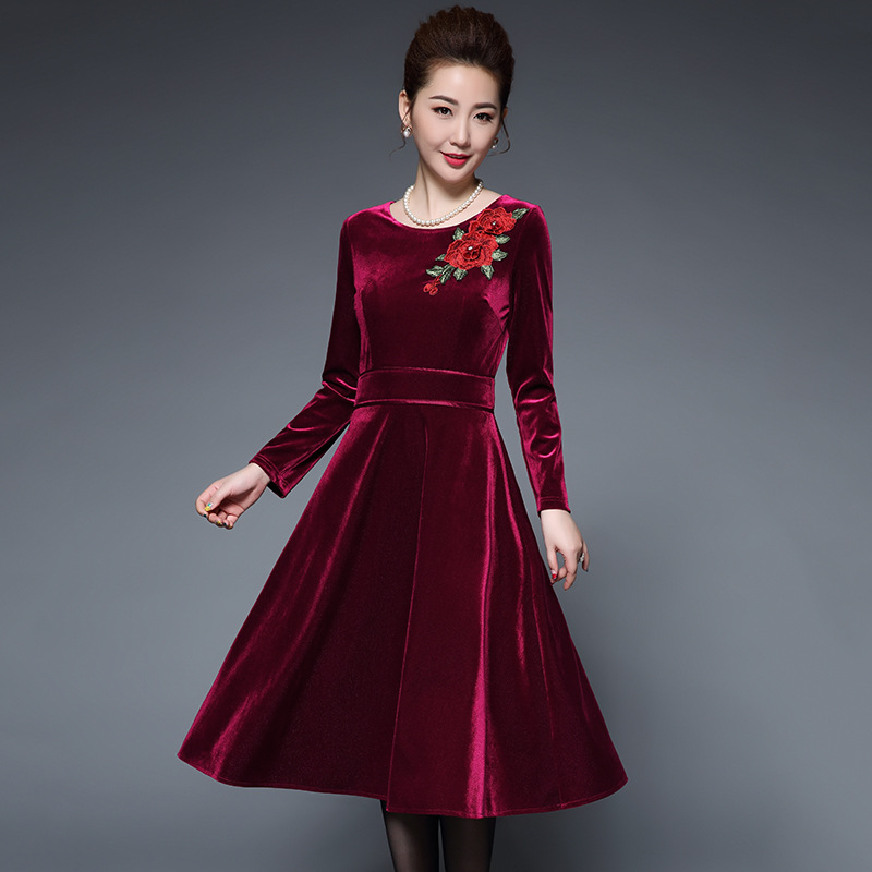 Elegant flower embroidery Velvet Dress Winter Dresses Women 2018 Vintage  Long Sleeve Ladies Office Dresses Party Vestidos Femme-in Dresses from  Women s ... 96b44958aec7
