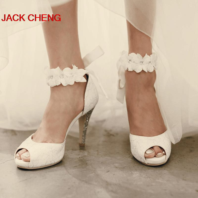 Lepe priljubljene bele čipke poročne čevlje Peep-toe Lady Svečane čevlje Ženske čevlji z visokimi petami Poročne maturantske čevlje