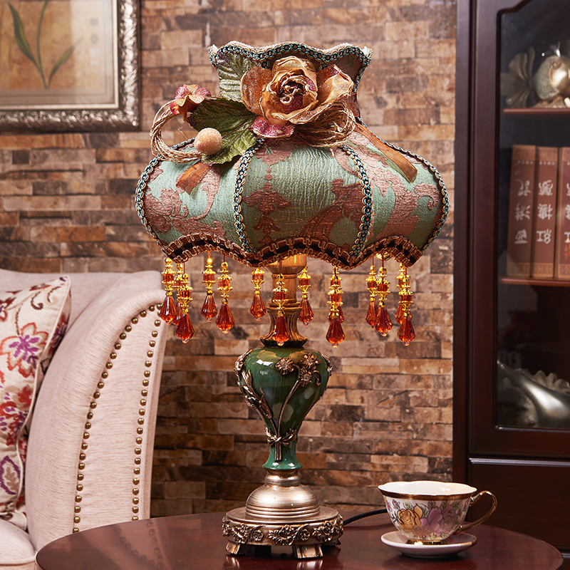 European Style Table Lamp Bedside Lamp American Retro led Lights Modern Fabric Lampshade Table Light Table Lamps For Bedroom цена