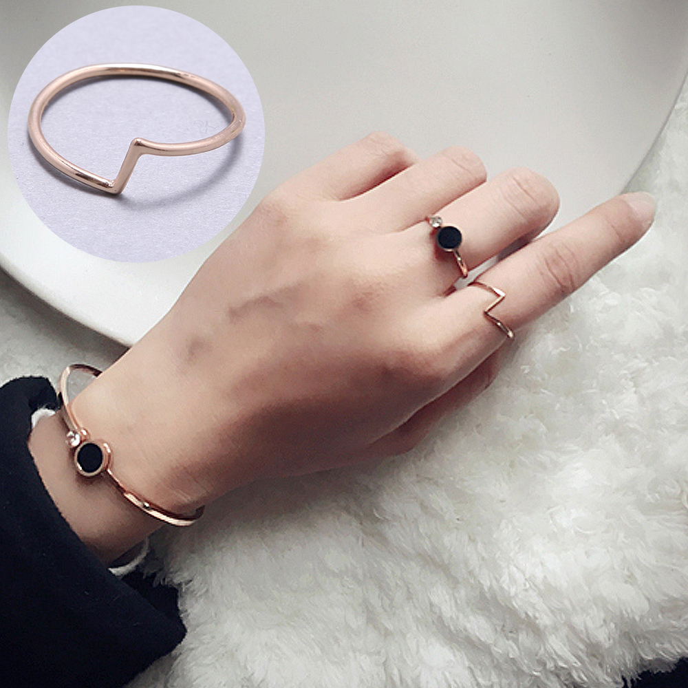 Minimalism Geometric Titanium Steel Ring Womens Personality Statement Triangle Rose Gold Rings Simple Lover Ring Jewelry