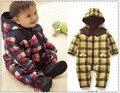 Buena Calidad de Los Mamelucos Del Bebé de Invierno niñas de algodón gruesa ropa de Abrigo y Abrigos Nieve Desgaste caliente del bebé usan El Envío libre