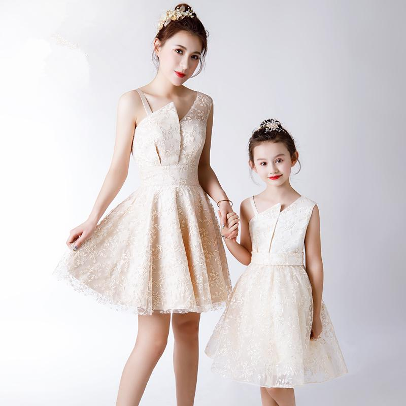 Mother Daughter Lace Dress Flower Girls Evening Ball Gown Formal Wear Mom and Me Wedding Dress Family Matching Outfits VestidosMother Daughter Lace Dress Flower Girls Evening Ball Gown Formal Wear Mom and Me Wedding Dress Family Matching Outfits Vestidos