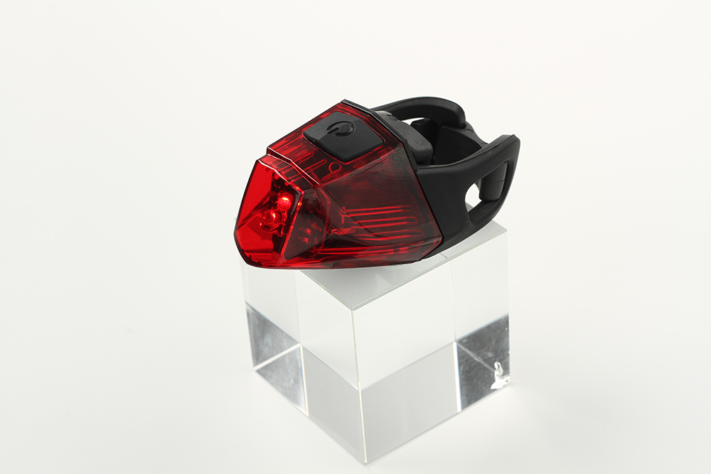 LURHACHI Taiwan Quality ET3207 LED Rear Bike Light Germany K-Mark Standard Bicycle Tail Light USB Fast Charge