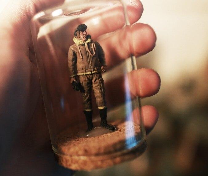 1:32 American pilots in World War II soldiers were bottled Desktop Office Decoration Toys figure
