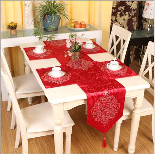 European Classical Luxurious Velvet Hot Drilling Table Runner Velvet  Material Nine Colors To Choose Table Runner