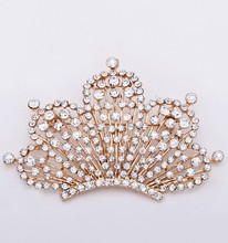new Alloy white  jewelry fashion women Crown brooches alloy crown brooch gold rhinestone Brooches for women lapel pin  X1538 cindy xiang rhinestone large pin brooches for women vintgae sweater pin fashion design wedding brooch high quality new 2020