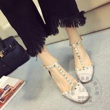 มาใหม่ราคาถูกรองเท้าจีนPuบุคลิกภาพเสื้อสีความปลอดภัยธรรมดารอบนิ้วเท้าผู้หญิงปั๊มแควส้นPu Tสาย