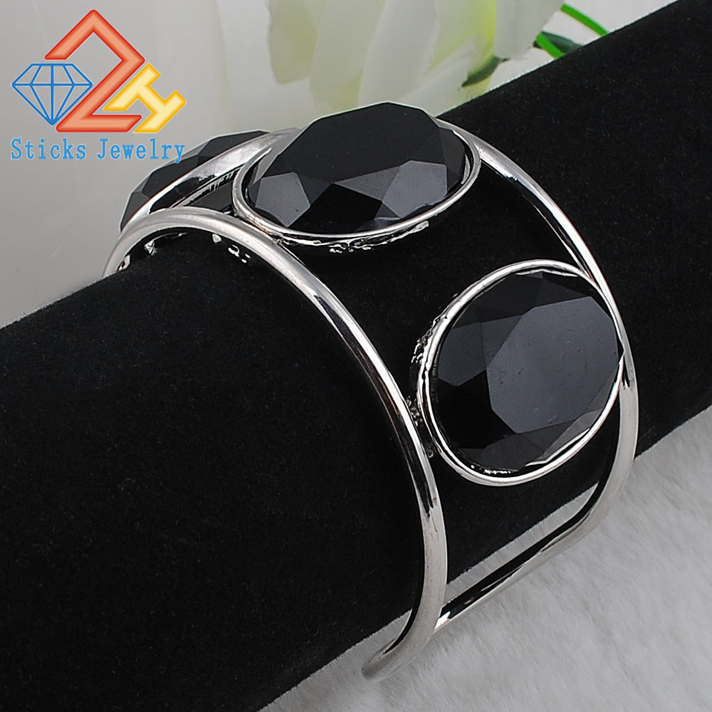 Big Cuff Bracelets For Women New Trendy Plated Round Jewelry Hollow Design Wide Bangles Bracelets 2