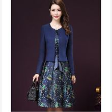 2016 autumn fashion women clothing round collar slevveless head over leaves print belt dresses solid color  two pieces set