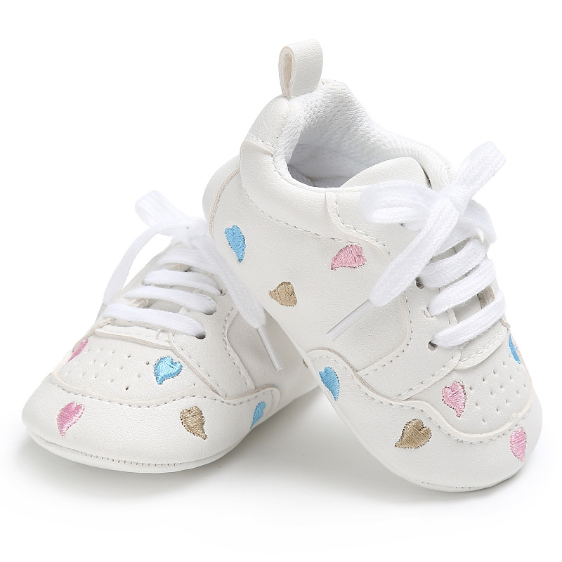 New Style Heart-shaped Lace-up Baby Moccasins Rubber Soled Crib Shoes Newborn Girls Boys PU Leather Sneakers For 0-18M