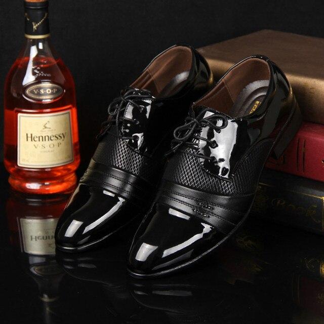 Дерби обувь дешевые мужчины кожаные ботинки 2017 большой размер 38-47 лоскутное зашнуровать мужчины плоские туфли платье PU дышащий chaussure homme