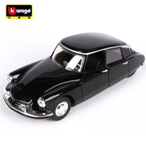 maisto bburago 1 32 citroen ds19 la vieille voiture moul sous pression mod le de voiture jouet. Black Bedroom Furniture Sets. Home Design Ideas