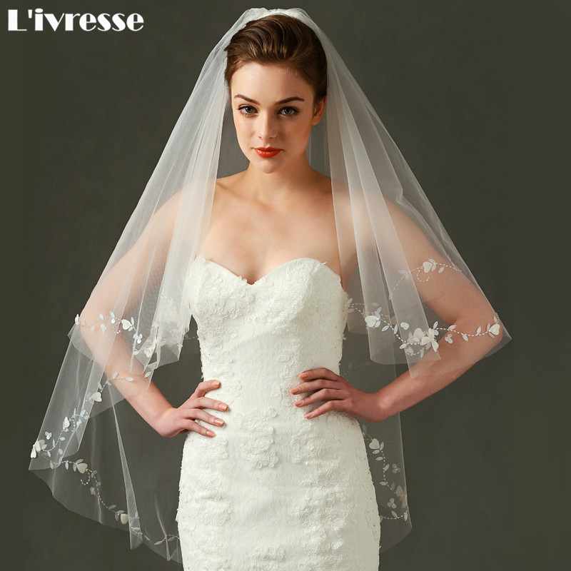 Layers Short Wedding Veil Comb Appliques Edge Tulle Fingertip Velos De Novia