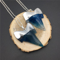 MY0904 Ocean Blue Agates Shark Teeth Pendant Necklace With Silver Color Chain