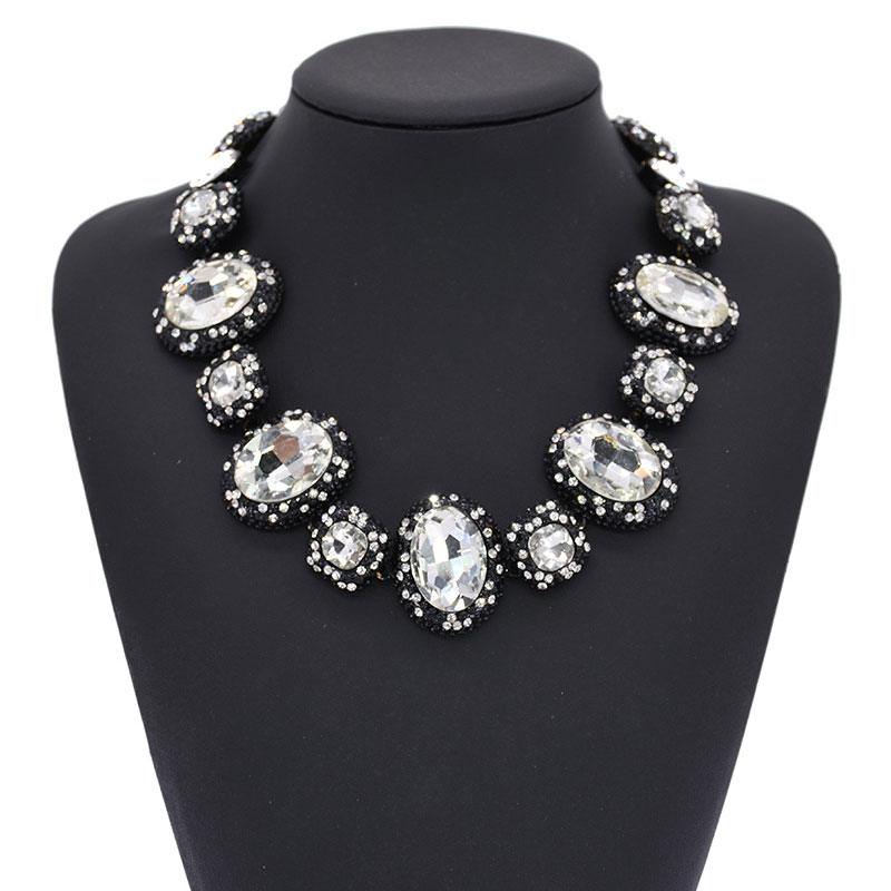 Ladies Personality Round Crystal Stone Clavicle Chain New Fashion Exaggerated Necklace Boutique Necklace in Chain Necklaces from Jewelry Accessories