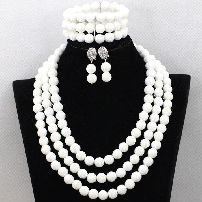 Gracieuse 3 couches de perles de corail blanc collier Bracelet boucles d'oreilles bijoux ensemble femmes de mariage bijoux ensemble livraison gratuite QW686