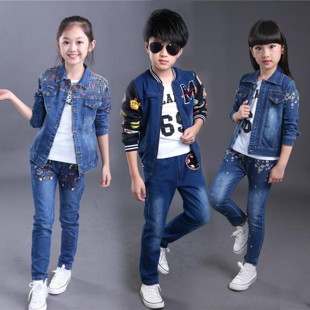 2017 novas crianças meninos de roupas meninas cowboy terno da moda letras impressas two-piece suit crianças esportes casuais livre grátis