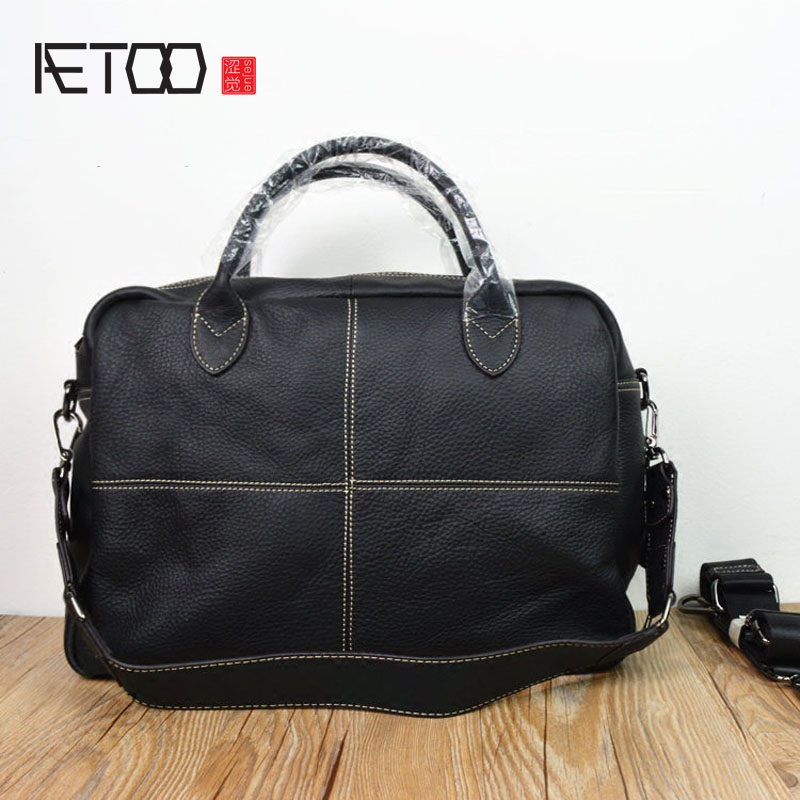 AETOO  Europe and the United States leather retro men bag handbag female large capacity travel bag head layer of cowhide shoulde worship the elder brother of the men and women athletic shoes head layer cowhide beef tendon counters authentic 6