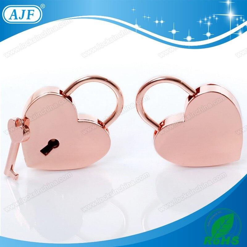 Serrures d'amour de mariage décoration nouvelle arrivée vente chaude AJF rouge amour cadenas pour cadeaux saint valentin pour les amoureux .. dans Party Favors de Maison & Jardin