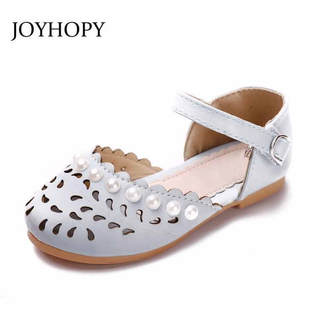 Girls sandals Summer toddler sandals flat shoes Fashion Pearl children  shoes girls princess hollow out Kids leather Shoes 99059a4458b7