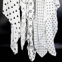 Ainaan Муслин Хлопок детские пеленки для новорожденных одеяла черный и белый марли для ванной полотенца