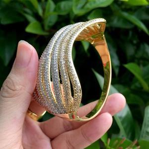 Image 4 - ModemAngel, роскошная линия, специальный дизайн, блестящие стразы, медное кольцо, браслет, набор, обручение, широкие, большие, браслеты для женщин, бижутерия