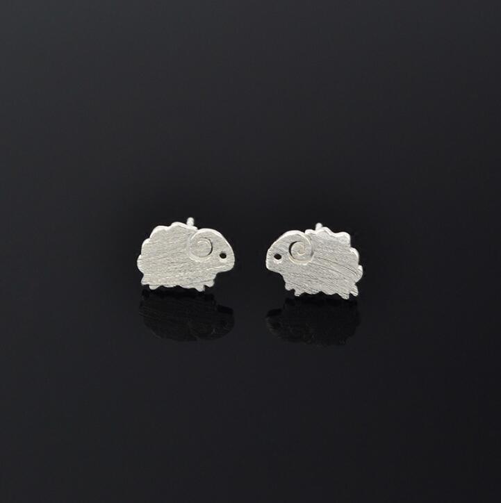 Jisensp Fashion Cute Animal Earrings Lovely Small Sheep Stud Earrings Modern Girls Kids Xmas Gift Jewelry Wholesale pendientes