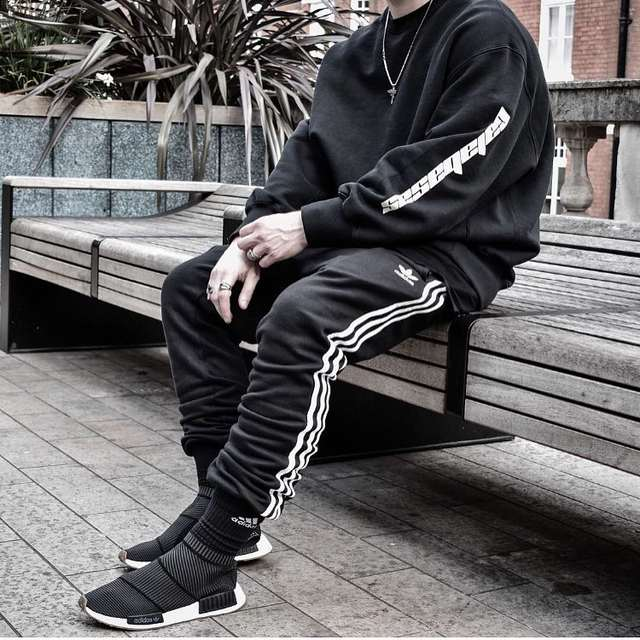 90d564ba9f1 2017 Latest KANYE WEST CALABASAS letters hoodies JUSTIN BIEBER hiphop  Fashion Casual Cotton Tee Black M
