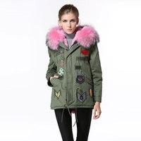 겨울 새로운 디자인 핑크 어린 소녀 먼저 선택 모피 파카 배지 큰 칼라 짧은 여성 자켓