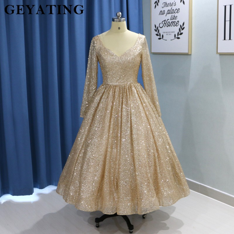 f29d8cfab4c7 Vintage Gold Long Sleeve Prom Dresses 2019 Glitter Tea Length Ball Gown  Party Dress Short Homecoming Dresses vestido de fiesta-in Evening Dresses  from ...
