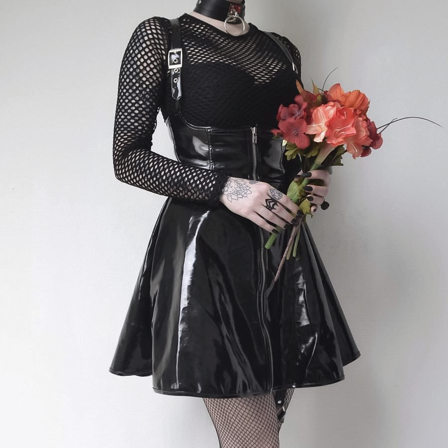 Liser Women Gothic Sexy Club Dress Black Punk Zipper Vintage Dress Female Girls Punk Pu Leather Spaghetti Dress
