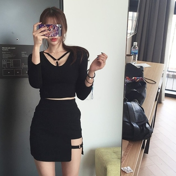Koreański styl czarny pakiet hip SAIA spódnice Gap nieregularne Hem ołówek Micro Mini spódnica tanie i dobre opinie Bawełna Casual Stałe Proste Sznurowane Powyżej kolana mini Imperium Innych Kobiet Mieszanka bawełny 95 gramów