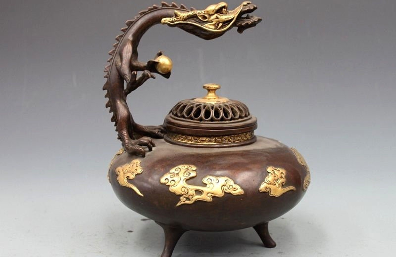 China Dynasty Pure Bronze 24K Gold Gild Dragon Clouds Incense Burner CenserChina Dynasty Pure Bronze 24K Gold Gild Dragon Clouds Incense Burner Censer
