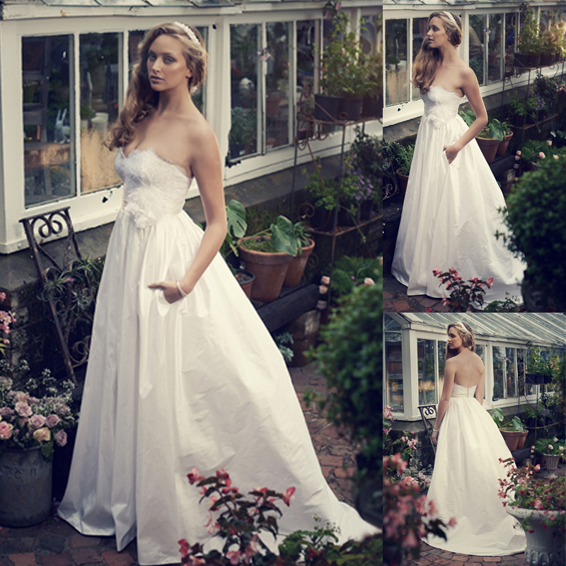Wedding Gown With Pockets: Sexy Backless Lace Wedding Dresses With Flower Strapless