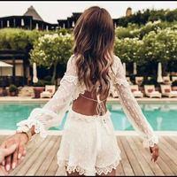 Белый шелк Playsuit Для женщин спинки выдалбливают Сексуальная комбинезон с длинным рукавом Летние каникулы короткое тело combinaison femme