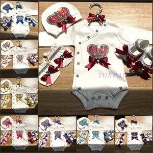 Image 2 - 新生児服セットベビーのセットラインストーンクラウン 0 3 ヶ月帽子 + ボディスーツ + 手袋 + シューズ 4 部品少年少女ジャンプスーツ服